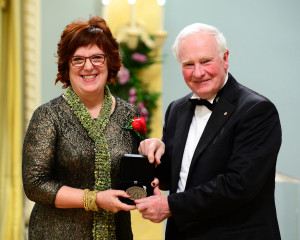 Sandra Meigs with the Right Honourable David Johnston, Governor General of Canada (photo: Sgt Ronald Duchesne)